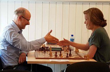 Fridag + Sol = Sjakk